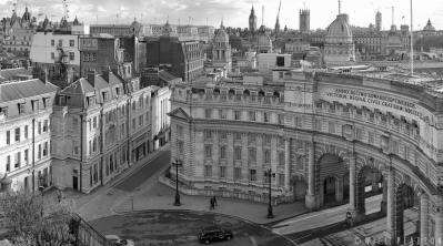 Admiralty Arch Daytime Black and White